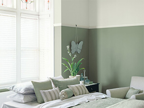 Multiple Shades of Green in an English Garden Themed Bedroom